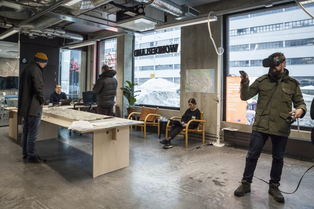 The pilot case of Teollisuuskatu and various topics related to the outline plan were communicated to the public in a participatory pop-up. Planners were present in the pop-up for two weeks to interact and discuss with stakeholders who were able to explore the site area in virtual reality as well as physical scale model format.