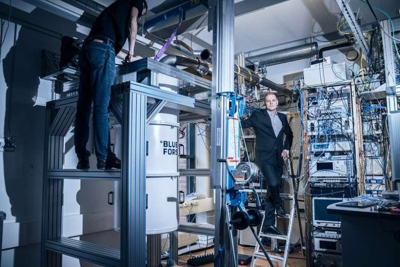 In 2018 the European Union launched the Quantum Flagship project that provides funding with a billion euros for over 5 000 researchers. Mikko Möttönen's group is amongst them.